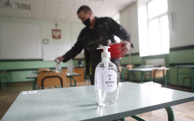 Rzeszowskie II Liceum Ogólnokształcące przygotowuje się do egzaminu maturalnego.