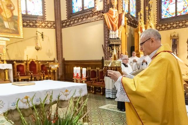 Podczas mszy świętej do szczecińskiej bazyliki pw. św. Jana Chrzciciela wniesiono relikwie błogosławionego kardynała Stefana Wyszyńskiego