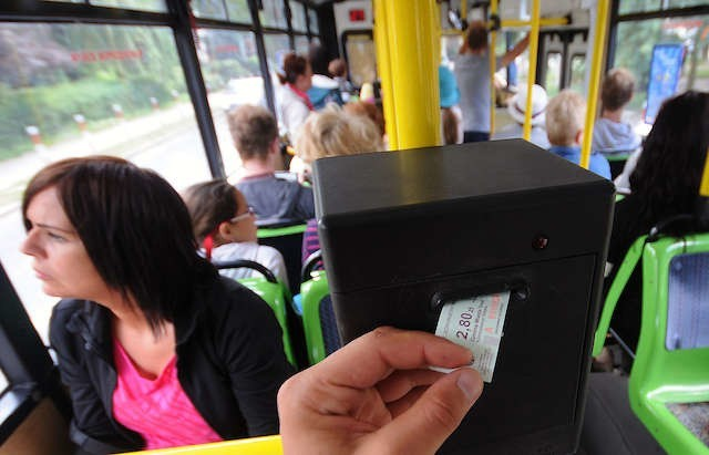Pośpiech i nieznajomość przepisów osób kupujących bilety, np. na kursy nocne, może być przyczyną przykrej niespodzianki