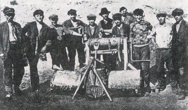Manifestacja pierwszomajowa w Królewskiej Hucie, 1924 r.  Komuniści w cieszyńskim więzieniu (1930 r.)