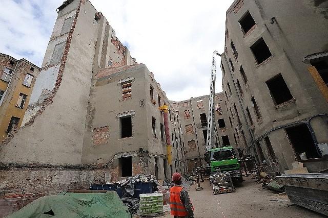 Przy ul. Wschodniej 20 już trwają prace rozbiórkowe. Remont powinien zakończyć się w 2021 r.