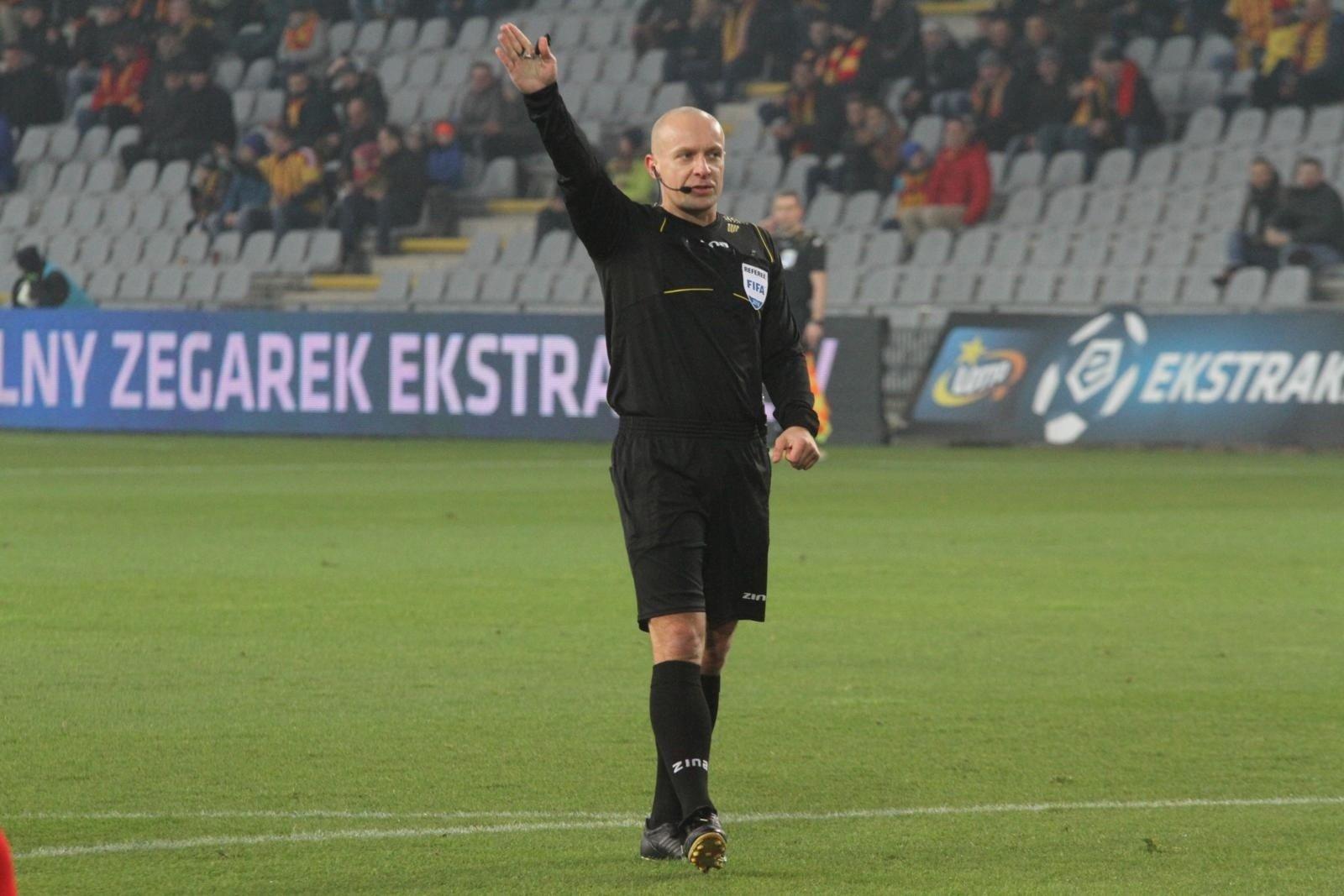 88a676bd5 Liga Mistrzów. Polski sędzia Szymon Marciniak poprowadzi mecz PSG ...
