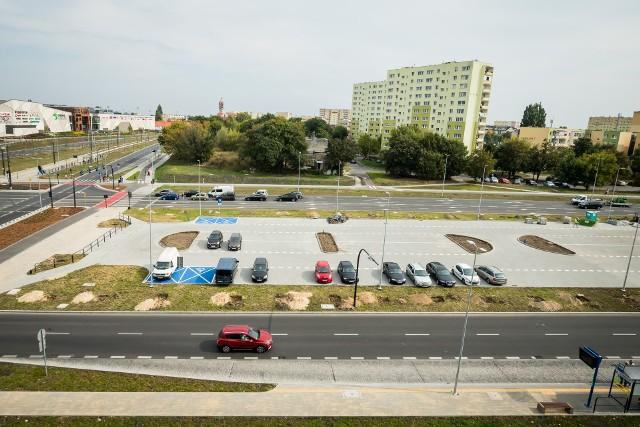 Parking Park @ Ride przy rondzie Kujawskim. Na razie hula na nim wiatr...