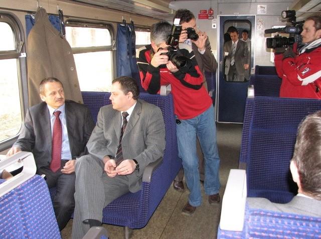 Wczoraj specjalny pociąg zawiózł do Kwidzyna i z powrotem do Grudziądza obu marszałków i dziennikarzy. Oby wszyscy pasażerowie jeździli na tej trasie zawsze w tak idealnych  warunkach