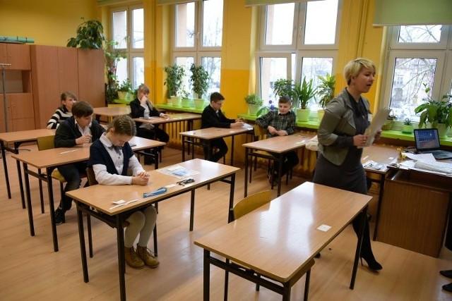 Sprawdzian szóstoklasisty 2015. Test, odpowiedzi, rozwiązania i arkusz testu CKE. - Będzie dobrze - mówili nam przed rozpoczęciem sprawdzianu szóstoklasiści ze szkoły podstawowej nr 4 w Białymstoku.
