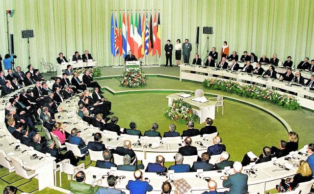 Prace nad traktatem z Maastricht- 1991r.
