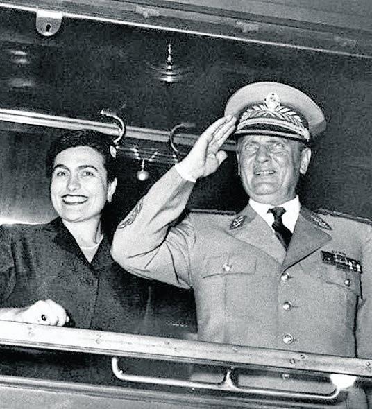 Jovanka Broz była czwartą żoną wieloletniego przywódcy Jugosławii. Po jego śmierci władze zamknęły ją w areszcie domowym