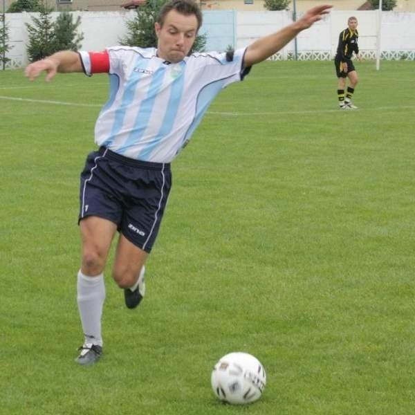 IV-ligowe derby powiatu brzeskiego: Olimpia Lewin Brzeski - Piast Brzeg 2-1