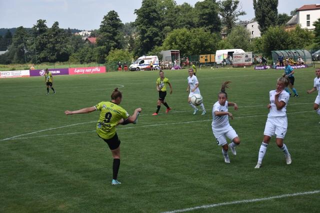 Piłkarki TS ROW Rybnik przegrały swój debiutancki mecz w Ekstralidze kobiet.