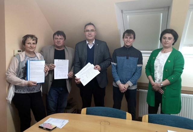 Podczas spotkania podpisane zostały deklaracje o partnerstwie do dalszych wnioskowanych projektów, które przeprowadzi gmina Krapkowice.