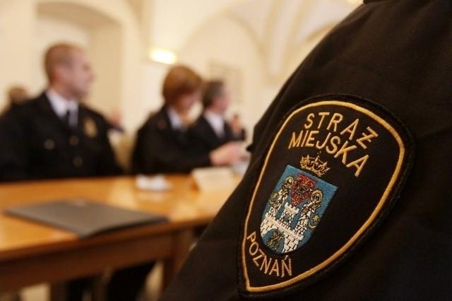 Zatrzymani strażnicy miejscy z Poznania. Brali nawet 10 złotych łapówki