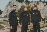 Piłkarze Korony Kielce w sesji zdjęciowej na Kadzielni. Prezentowali bluzy z kolekcji #4Fteamwear [ZDJĘCIA]