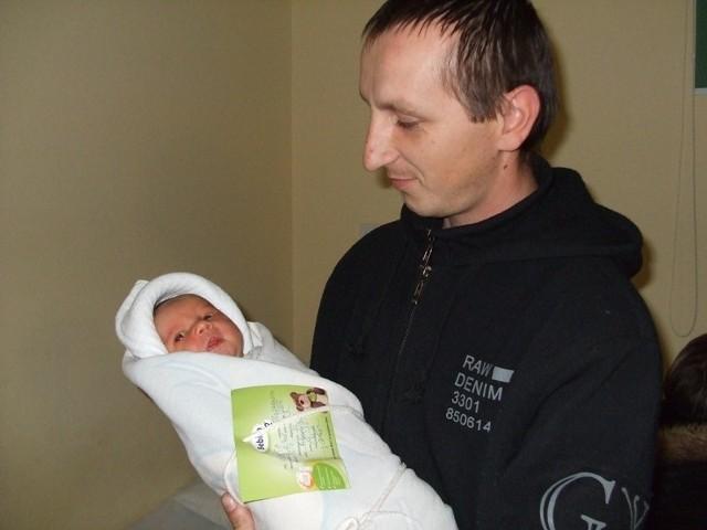 Sandra Trojanowicz na zdjęciu ze swoim szczęśliwym tatą.