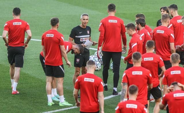 Paulo Sousa i piłkarze mają o czym myśleć przed meczem ze Szwecją
