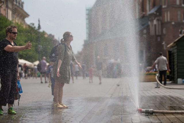 Kurtyny wodne podczas fali upałów mają pojawić się w Toruniu