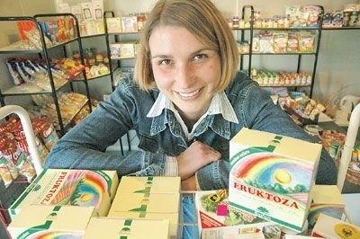 - Zastanawiałam się, jakiego sklepu brakuje na osiedlu i zdecydowałam się na sprzedaż zdrowej żywności - mówi Karolina Malinowska