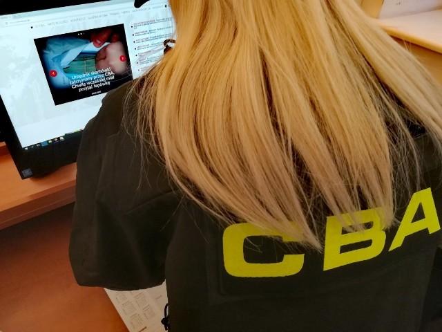 Zatrzymani przez CBA usłyszeli już zarzuty związane z niegospodarnością i wyrządzeniem szkody w mieniu PKP S.A.