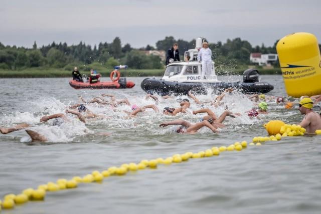 """W sobotę w Kiekrzu odbyła się się 52. edycja najstarszego maratonu pływackiego w Polsce, czyli """"Wpław przez Kiekrz""""."""