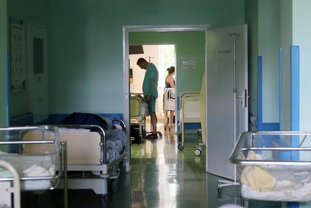 Kara za nieodwołaną wizytę u lekarza: Rząd rozważa wprowadzenie kar dla tych pacjentów, którzy nie odwołują wizyt u lekarza, wtedy  gdy nie mogą się na niej zjawić. Jeśli zdarzają Ci się takie sytuacje, miej się na baczności! Jeśli stosowne przepisy wejdą w życie, Twój portfel może na tym ucierpieć.