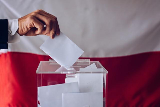 Lokale wyborcze otwarte do godz. 21. Gdzie głosować? Jak oddać ważny głos? Zasady głosowania i bezpieczeństwa