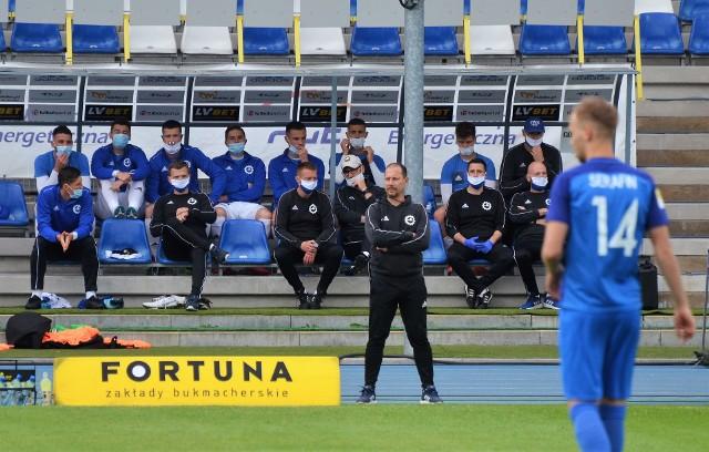 Trener Dariusz Marzec w meczu z Puszczą na ławce posadził swoich asów