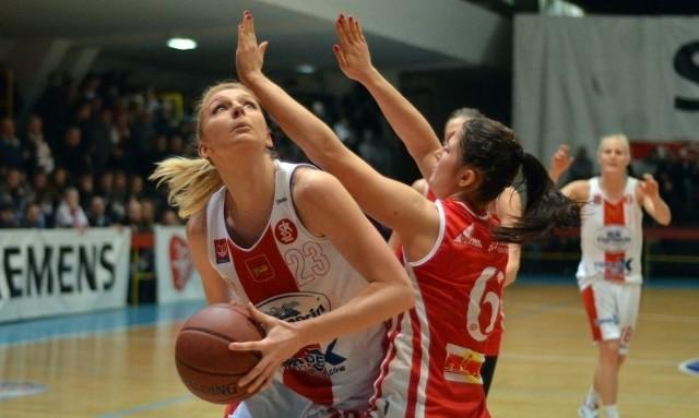 Z piłką Magdalena Grzelak