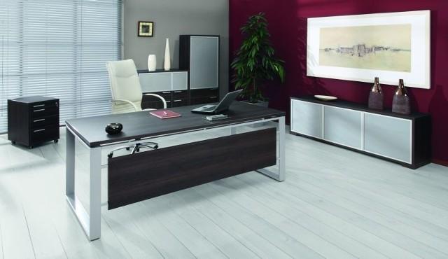 Kolekcja mebli gabinetowych IRYD jest oryginalna i funkcjonalna, a do tego nadaje wnętrzu elegancki wygląd.