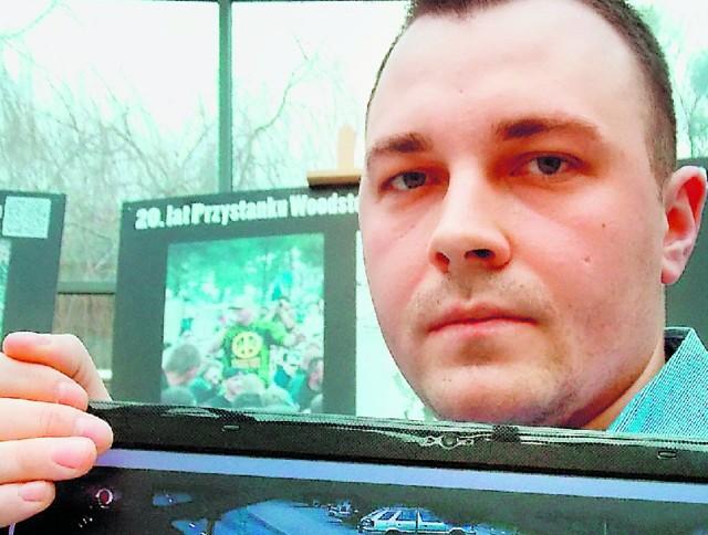 Piotr Szczerbicki przez dwa tygodnie, codziennie nagrywał na ulicach sprawcę wypadku. Materiał zaniósł do sądu.