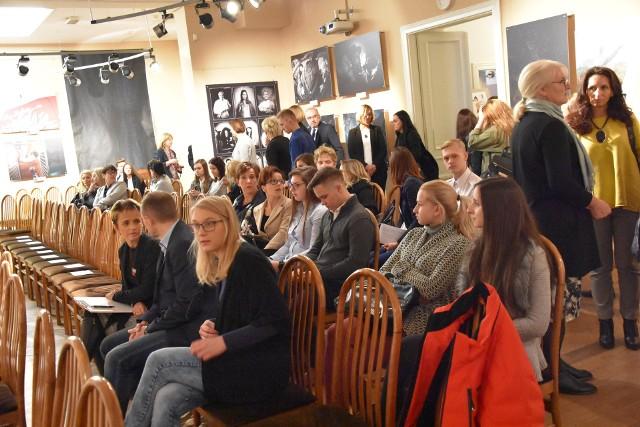 100-lecie praw kobiet. Konferencja w częstochowskim Ratuszu