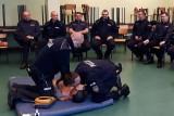 Policjanci zabezpieczali rany, krwotoki i ratowali porażonych prądem [ZDJĘCIA]