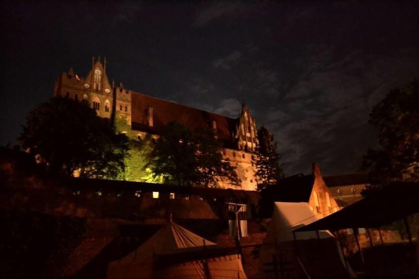 Zobacz jakie sławy wzięły udział w widowisku światło i dźwięk na malborskim zamku >>>