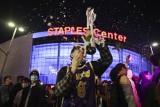 Szaleństwo na ulicach Los Angeles. Kibice Lakers świętowali 17. mistrzostwo NBA w historii klubu [WIDEO]