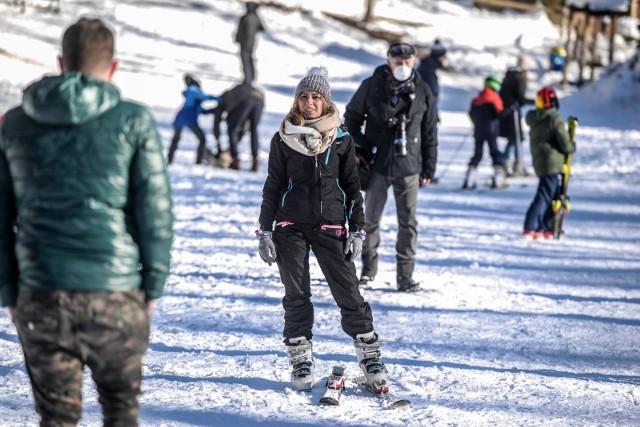 Mimo sprzyjających warunków narciarskich, mijający sezon z powodu koronawirusa był fatalny dla właścicieli wyciągów.