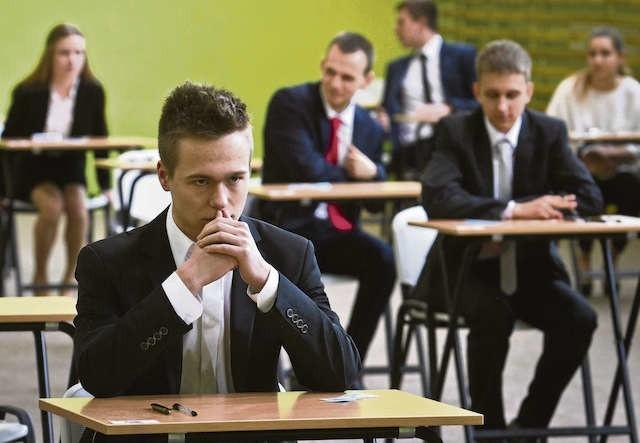 Dla uczniów matura to duży stres. Wielu, by dobrze się do niej przygotować, korzysta z kursów lub korepetycji