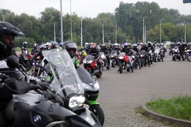 Motocykliści spotkali się pod Areną Lublin, a następnie w szyku do siedziby hospicjum przy ul. Lędzian 49