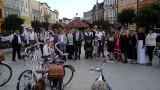 Ulicami Brodnicy przejechała rowerowa masa retro