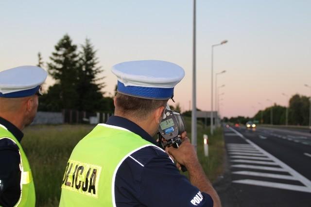 """W akcję """"Prędkość"""" przeprowadzoną na terenie kraju  włączyli się  też mundurowi z nakielskiej drogówki."""