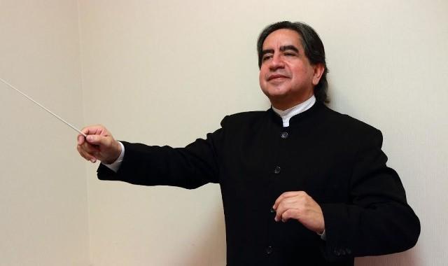 Gościnnie w Filharmonii Zielonogórskiej będzie dyrygował Ruben Silva - polski dyrygent boliwijskiego pochodzenia, jeden z najwybitniejszych muzyków swojego pokolenia
