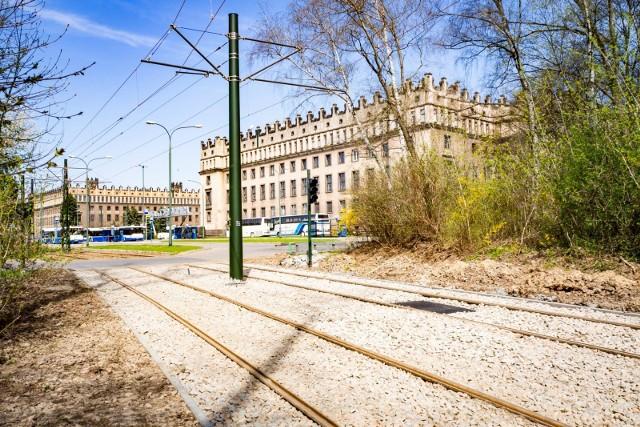 Kończy się remont torowiska na ulicy Ujastek Mogilski. W sobotę, 1 maja na swoje stałe trasy wrócą tramwaje na liniach nr 21 i 22.