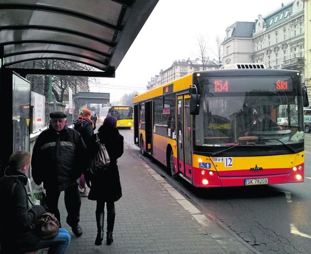 Nowe autobusy KZK GOP mają jeździć w barwach Górnego Śląska. Stare nie będą przemalowywane. A może jednak warto ujednolicić barwy także starych autobusów? Obecnie malowane są w najróżniejsze barwy