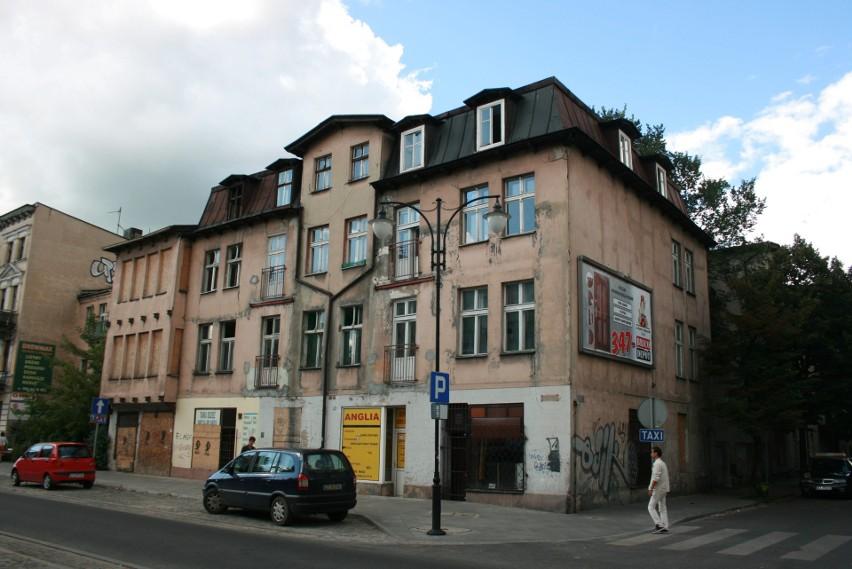 Zbudowany w 1899 roku dom przy Mickiewicza, przed którym w...