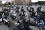 Parada Motocyklowa Solidarności. Motocykliści ruszyli w Poznań [DUŻO ZDJĘĆ, WIDEO]