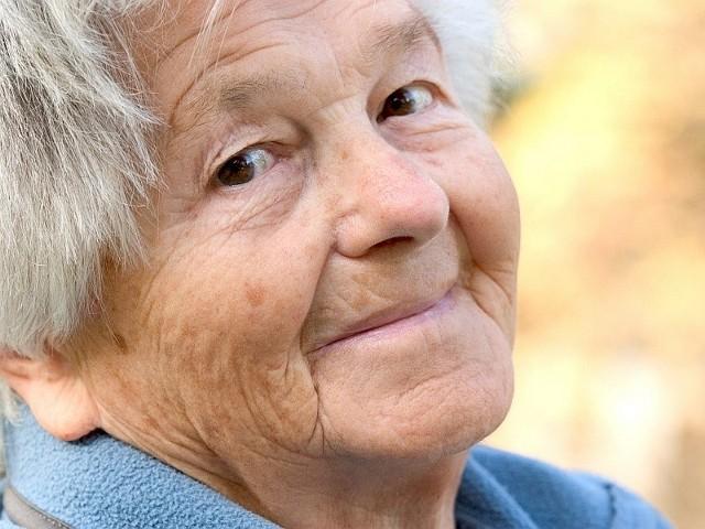 Z opłat abonamentowych zwolnione są między innymi osoby, które ukończyły 75 lat