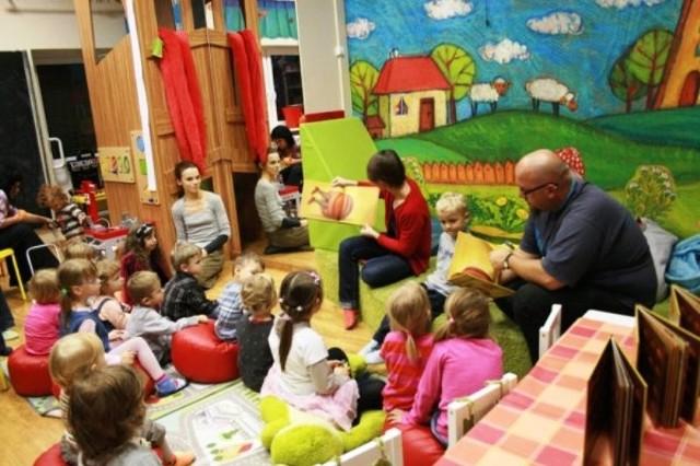 Cafe Bajarka zachęca do czytania i dzieci, i… rodziców