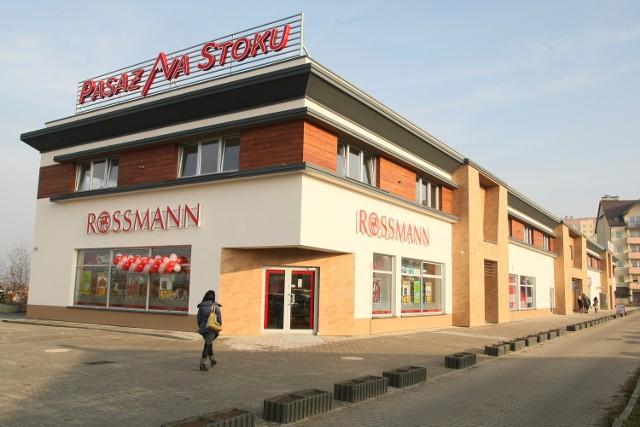 Ruszyły nowe markety Rossmann i Pepco w Pasażu Na Stoku w Kielcach Nowo otwarty Pasaż Na Stoku w Kielcach to uzupełnienie oferty na handlowej mapie tego osiedla.