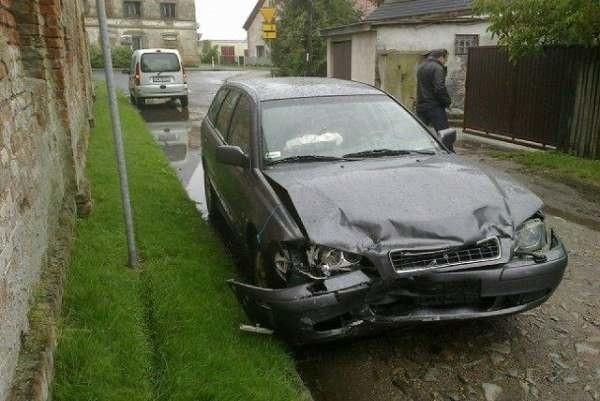 Do wypadku doszło o godz. 11.25 na DK 94 w Buszycach.