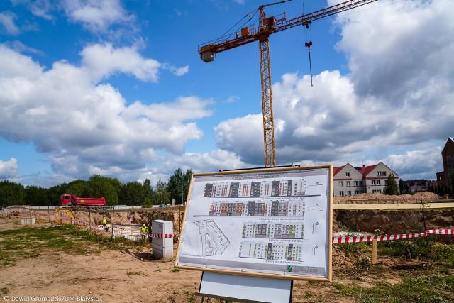 W jednym budynku będą się mieściły 44 mieszkania, w drugim - 69.