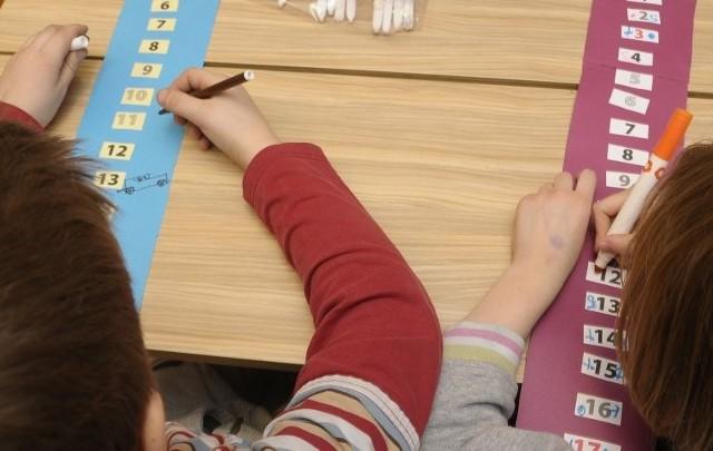 Dorota i Paweł zrobili specjalne kalendarze. Odznaczają dni, które dzielą ich od spotkania z nowymi rodzicami.