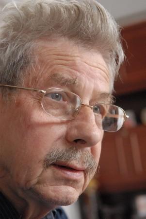 Zdzisław Grudzień. Czyli Bachus na emeryturze ma 78 lat. Aktor Teatru Lubuskiego w latach 1959-1972. Gdy nie czuwa nad Winobraniem, czyta książki. Uwielbia literaturę faktu.
