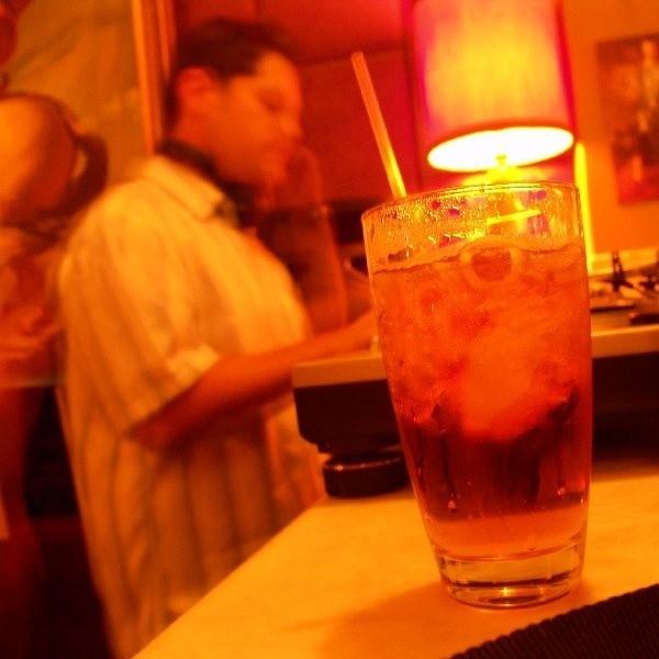 Upijanie się alkoholem deklaruje 22,4 procent ankietowanych uczniów szkół średnich i 14 procent gimnazjalistów.